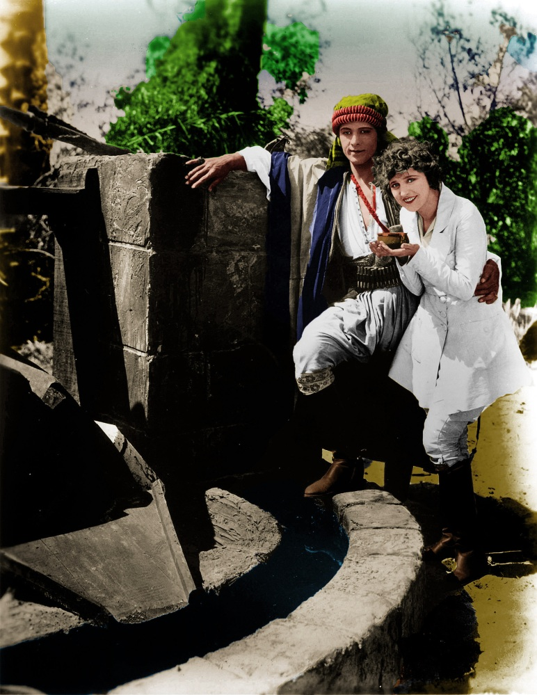 On the Set with Rudolph Valentino (5/6)