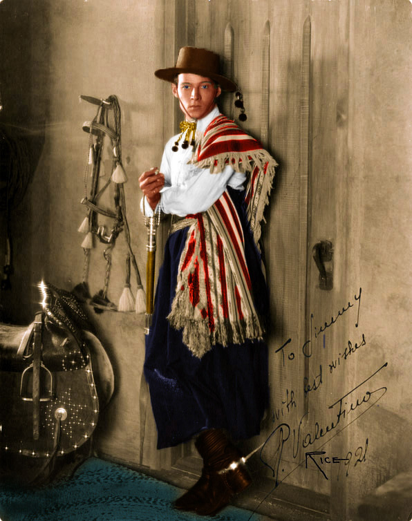 On the Set with Rudolph Valentino (4/6)